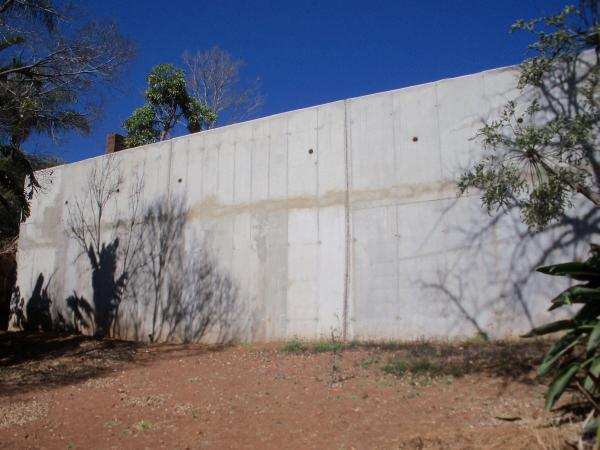 concrete-slabs-and-retaining-walls